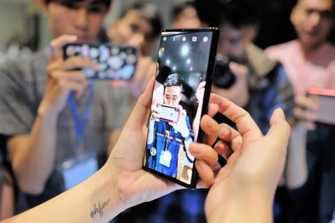 Chi tiet Huawei Mate X man hinh gap vua ve VN hinh anh 10