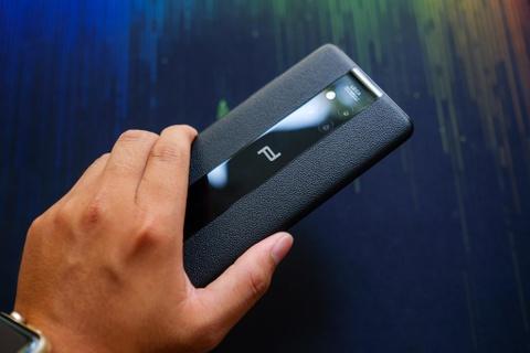 Huawei Mate 20 Pro ban dac biet gia hon 40 trieu ve VN hinh anh 2
