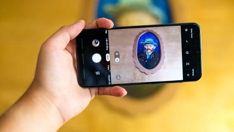 Chi tiet Galaxy A50 o VN - 3 camera, van tay duoi kinh, gia 7 trieu hinh anh 7