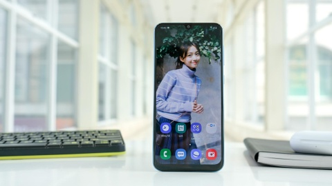 Chi tiet Galaxy A50 o VN - 3 camera, van tay duoi kinh, gia 7 trieu hinh anh 3