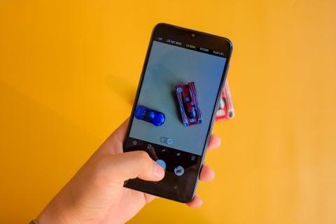 Chi tiet Galaxy M10 - camera kep goc rong, gia 2,8 trieu dong hinh anh 6