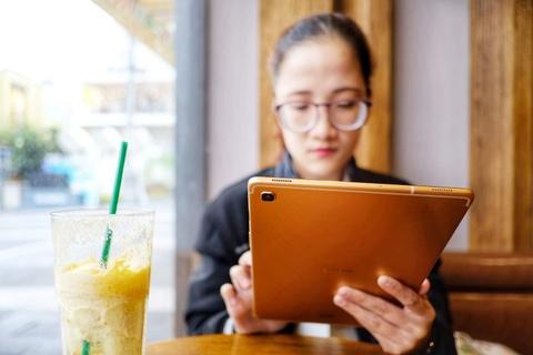 Chi tiet Galaxy Tab S5e - thiet ke giong iPad Pro, gia 12,5 trieu dong hinh anh 2