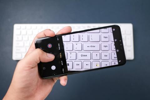LG V50 ThinQ ve VN - cong nghe 5G, 3 camera sau, gia 18 trieu dong hinh anh 6