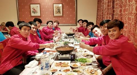 Công Phượng được đồng đội chúc mừng sinh nhật giữa kỳ Asian Cup