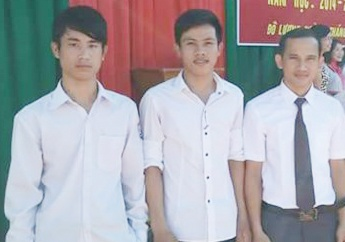 chang sinh vien ngheo tra lai vi tien nhat duoc hinh anh