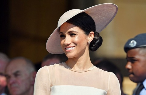 Meghan Markle duoc Hoang gia Anh uu ai hon Kate Middleton? hinh anh