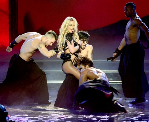 Britney Spears tro lai sau loat scandal den toi nhu the nao? hinh anh 10