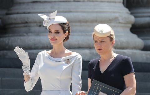 Dau an thoi trang thanh lich cua Angelina Jolie hinh anh