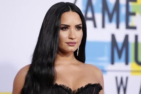 Demi Lovato huy tour dien de tap trung cai nghien hinh anh