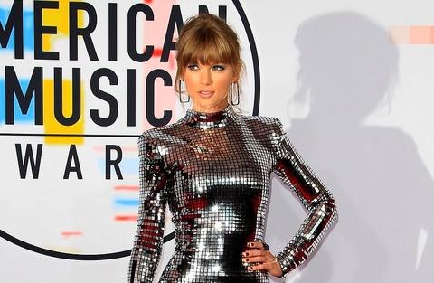 Taylor Swift mac dep nhat tuan voi dam anh bac bat sang hinh anh