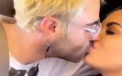 Ca si Demi Lovato 'khoa moi' ban trai moi hinh anh