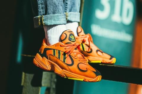 8 mau giay sneaker duoc du doan len ngoi trong dip Tet Ky Hoi 2019 hinh anh 1
