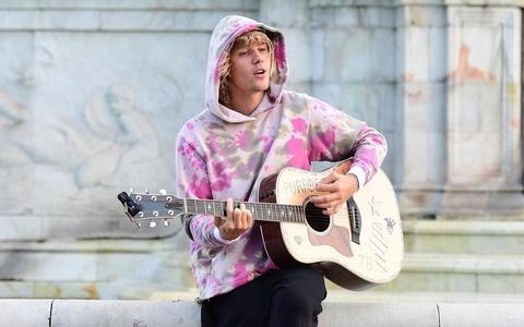 Justin Bieber chua muon quay lai voi am nhac vi cang thang hinh anh