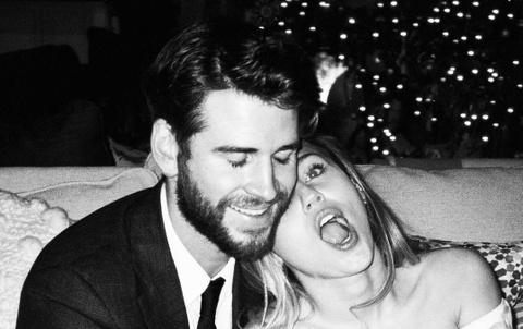 Miley Cyrus, Hailey Bieber khoe hanh phuc ben nua kia ngay Valentine hinh anh