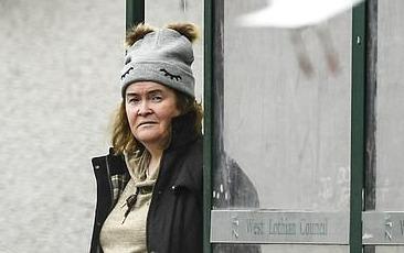 Hiện tượng âm nhạc Susan Boyle nổi tiếng 10 năm trước giờ ra sao?