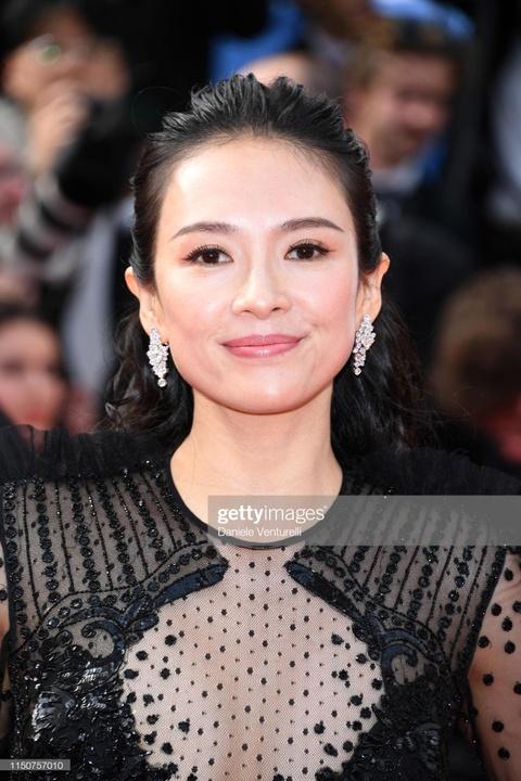 Chuong Tu Di goi cam va dang cap voi hang hieu tai LHP Cannes 2019 hinh anh 3