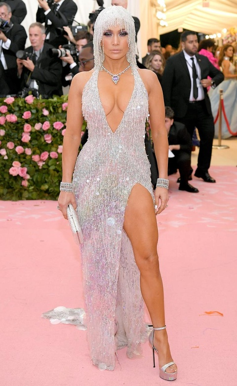 Những bộ váy quyến rũ và táo bạo nhất của Jennifer Lopez
