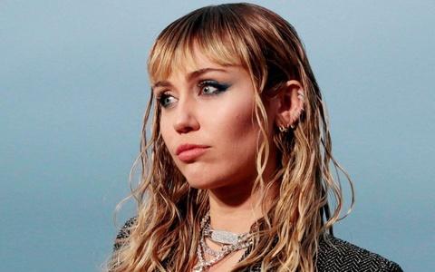 Miley Cyrus hat ve ruou va ma tuy hau chia tay Liam Hemsworth hinh anh