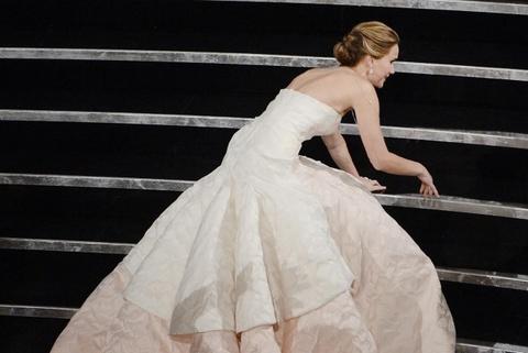 Jennifer Lawrence van xau ho ve cu nga truoc khi nhan giai Oscar hinh anh