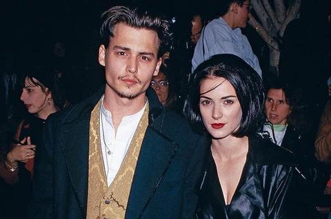 Tinh cu ra toa lam chung cho Johnny Depp hinh anh