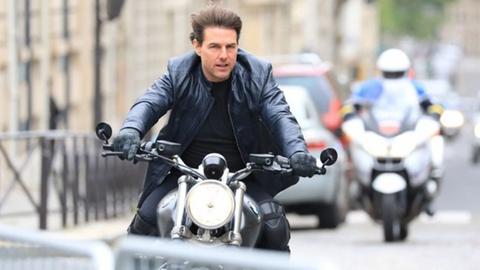 Tom Cruise dau dau vi chay phim truong 'Nhiem vu bat kha thi 7' hinh anh
