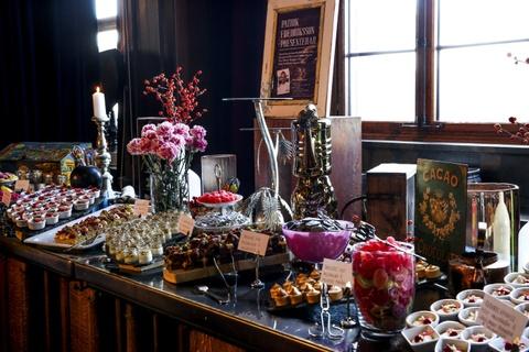 Nhung bua sang khach san tuyet nhat the gioi hinh anh 16 Norda Bar and Grill, khách sạn Clarion, Gothenburg, Thụy Điển: Nhà hàng này có phong cách trang trí hiện đại, phong cách, với các món ăn ngon tuyệt. Món ấn tượng nhất là bánh cuộn. Ảnh: Mynewsdesk.