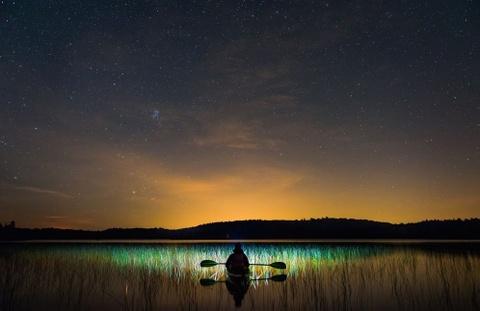 Anh cua co gai Viet vao chung ket National Geographic hinh anh 14 David L. Labrie đem tới cho độc giả hình ảnh tuyệt đẹp dưới bầu trời sao ở Canada.