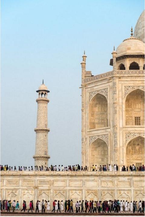 Anh cua co gai Viet vao chung ket National Geographic hinh anh 4 Công trình nổi tiếng Taj Mahal hiện lên qua góc nhìn mới lạ của Gerhard Huber.
