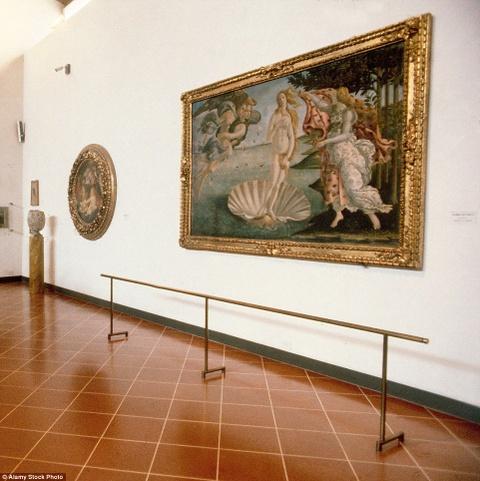 """Tour ngoai gio danh cho khach VIP hinh anh 8 Bức tranh """"Sự ra đời của thần Vệ Nữ"""", Florence, Italy: Tác phẩm của danh họa Botticelli thu hút rất nhiều khách tham quan tới dinh thự Uffizi. Bạn có thể đăng ký tour của Bellini Travel để có chiêm ngưỡng tác phẩm này trong yên tĩnh, với nhiều dịch vụ kèm theo."""