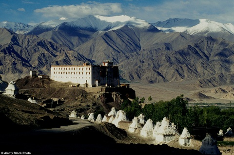 Tour ngoai gio danh cho khach VIP hinh anh 10 Điện Ladakh, Tây Tạng: Brown + Hudson, công ty chuyên làm việc với các khách hàng giàu có và đòi hỏi cao, cung cấp một kỳ nghỉ ở cung điện hoàng gia Ladakh, nơi chỉ mở cửa vài tháng trong năm.