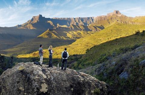 """Nhung dieu khien Nam Phi hap dan du khach hinh anh 12 8 khu di sản thế giới: Ngoài công viên Ukhahlamba Drakensberg, Nam Phi còn có các di sản độc đáo như đảo Robben, sa mạc Richtersvel, Mapungubwe, vùng Cape Floristic, công viên đầm lầy iSimangaliso, Vredefort Dome và """"Cái nôi của loài người"""", nổi tiếng với lượng hóa thạch tiền sử dồi dào. Ảnh: Heredajo."""