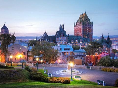 Ha Noi vao top nhung diem den dang mo uoc nam 2016 hinh anh 4 Quebec, Canada: Những công trình với kiến trúc sáng tạo, hàng loạt lễ hội và hội chợ sôi động diễn ra quanh năm đã khiến Quebec được nhiều người lựa chọn.