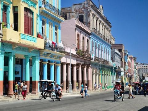 Ha Noi vao top nhung diem den dang mo uoc nam 2016 hinh anh 6 Hanava, Cuba: Sau khi lệnh cấm vận được nới lỏng, Hanava đã nhanh chóng trở thành một điểm đến cuốn hút trên bản đồ du lịch thế giới. Ở Hanava, du khách sẽ có cảm giác như được quay ngược thời gian, trở về thế kỷ trước.