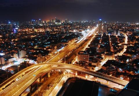 10 diem du lich noi danh o que huong tan Hoa hau Hoan vu hinh anh 1 Manila: Nằm trên đảo Luzon, thủ đô của Philippines hấp dẫn du khách với kiến trúc Tây Ban Nha thời thuộc địa và các tòa nhà cao ốc mới xuất hiện. Ngoài pha trộn hài hòa giữa cổ điện và hiện đại, cùng ẩm thực và văn hóa đầy màu sắc, Manila còn là cửa ngõ để du khách đến các địa điểm nổi tiếng khác của Philippines. Ảnh: Theunlikelybartender/Wordpress.