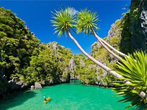 10 diem du lich noi danh o que huong tan Hoa hau Hoan vu hinh anh 5 Đảo Palawan: Được vinh danh là hòn đảo đẹp nhất thế giới, Palawan giống như một thiên đường bí mật, với những vịnh nước xanh trong. Tới đây, du khách sẽ có cơ hội chèo thuyền kayak giữa biển và núi, khám phá những khu rừng nguyên sơ, nằm dài trên bãi cát trắng mịn và lặn ngắm động vật biển. Ảnh: National Geographic.