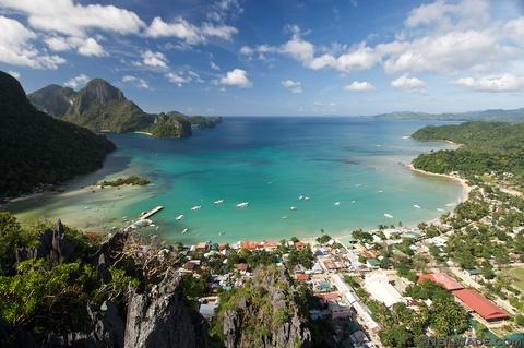 10 diem du lich noi danh o que huong tan Hoa hau Hoan vu hinh anh 6 El Nino: Nằm trong khu vực bảo vệ của tỉnh Palawan, El Nino là thiên đường cho những du khách mê hoạt động trên biển. Bạn có thể bơi lội, chèo thuyền kayak, leo núi, khám phá các hang động, lặn biển... Ảnh: Neil-wade/Photoshelter.