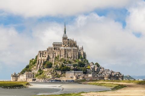 15 ke hoach chu du dang thu nam 2016 hinh anh 1 1. Normandy, Pháp: Ngoài khung cảnh và kiến trúc đẹp như trong cổ tích, Normandy còn là nơi xuất phát của Tour de France 2016 và nơi tổ chức lễ hội Triannual Impressionist, đem lại màu sắc văn hóa đặc trưng cho vùng.