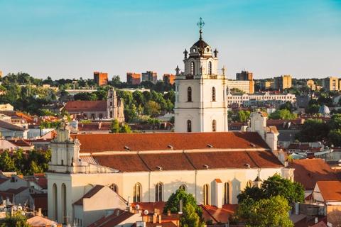 15 ke hoach chu du dang thu nam 2016 hinh anh 6 6. Vilnius, Lithuania: Lithuania có vẻ là một cái tên khá xa lạ, nhưng quốc gia này có một bề dày lịch sử và kiến trúc ấn tượng, những khu rừng hoang sơ, bãi biển đẹp và đồ ăn hấp dẫn. Thủ đô Vilnius của Lithuania được UNESCO công nhận là Di sản thế giới.