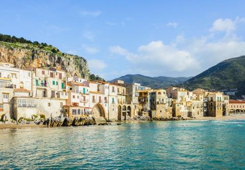 15 ke hoach chu du dang thu nam 2016 hinh anh 8 8. Sicily, Italy: Vẻ đẹp của vùng Địa Trung Hải và nền văn hóa thâm trầm khiến Sicily là nơi nghỉ dưỡng hoàn hảo cho năm 2016. Gần đây, Sicily còn nổi tiếng nhờ rượu vang và những vườn nho ngon tuyệt.