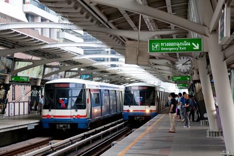 Duong sat tren cao o Bangkok duoc long du khach quoc te hinh anh