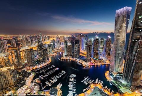 Nhung toa nha choc troi o Dubai huyen ao trong suong hinh anh 11