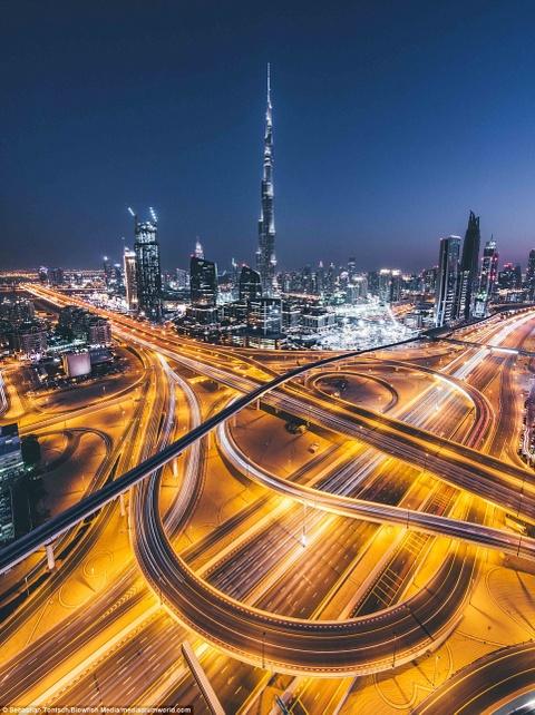 Nhung toa nha choc troi o Dubai huyen ao trong suong hinh anh 12