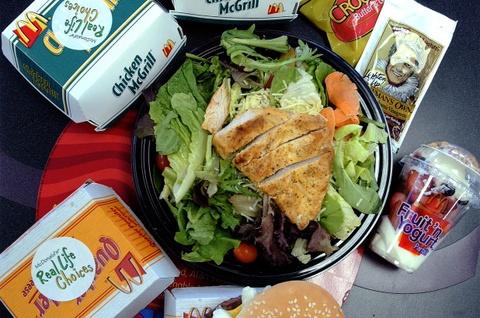 Gan 400 nguoi ngo doc vi salad ga cua McDonald hinh anh