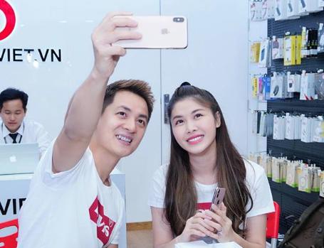 Ly do Dang Khoi yeu thich iPhone XS Max 256 GB Gold 2 SIM hinh anh