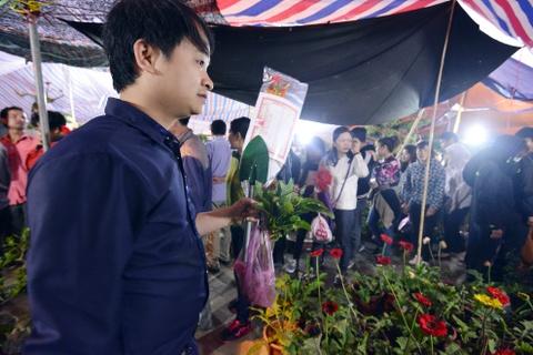 Bien nguoi do ve cho Vieng cau may hinh anh 12