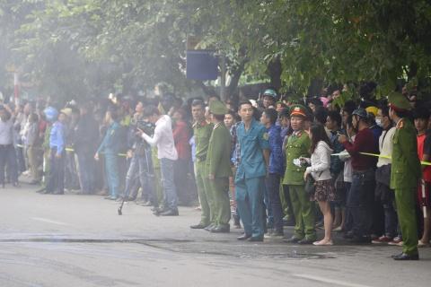 Linh cuu hoa lan xa 9 gio vu chay o pho Tran Thai Tong hinh anh 5