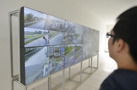 CSGT xu ly vi pham qua camera o cao toc Noi Bai - Lao Cai hinh anh 4