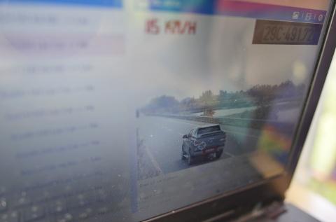 CSGT xu ly vi pham qua camera o cao toc Noi Bai - Lao Cai hinh anh 10