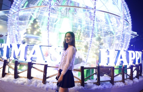 Pho phuong Ha Noi lung linh truoc dem Noel hinh anh 5