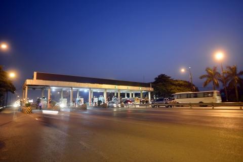 Tinh lo bi 'bam nat' vi tai xe ne tram BOT Thang Long - Noi Bai hinh anh 12